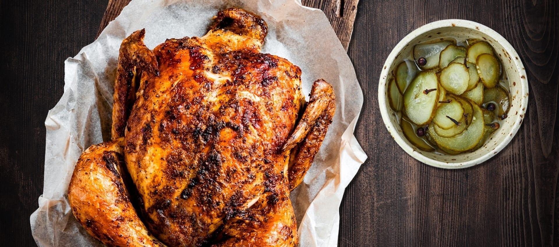 Mamarisavut kylling stegt i ovnen med agurkesalat som forslag til agurkesalat